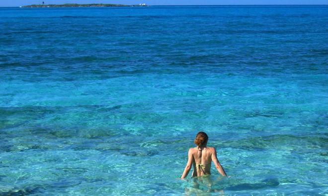 wading-at-nassau-1-1404593_660x395